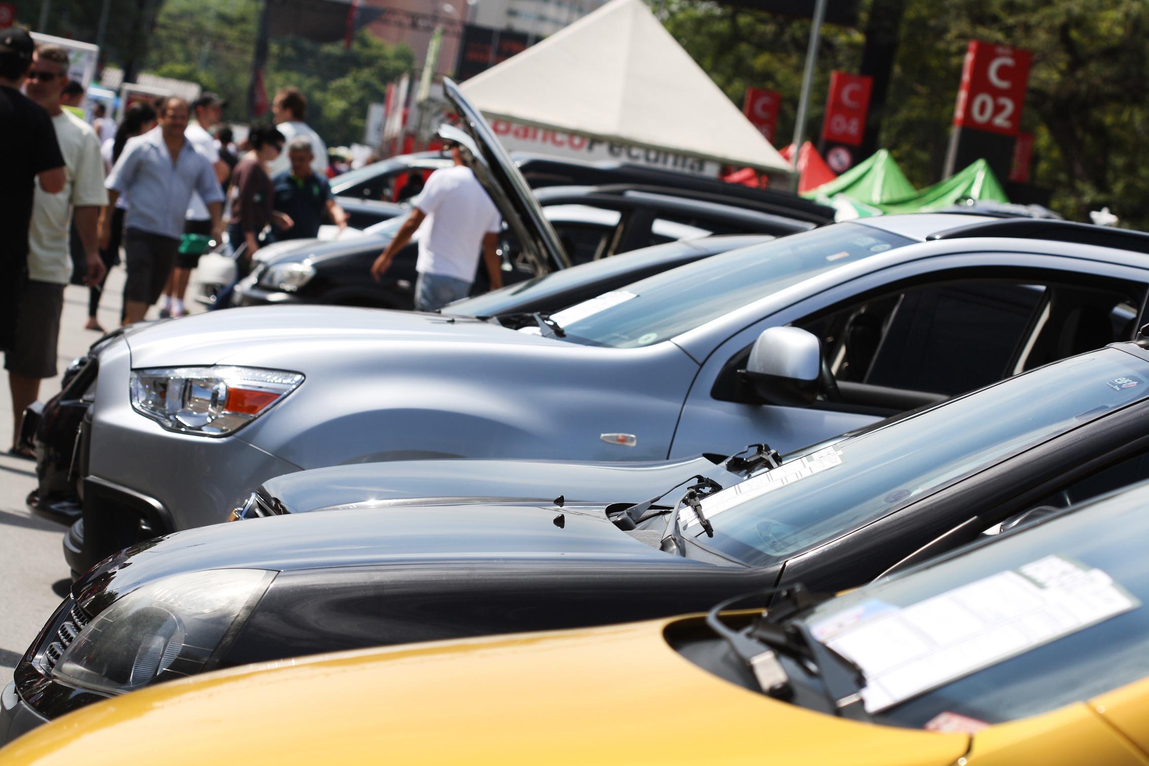 Consumo inteligente: onde comprar e vender carros usados?